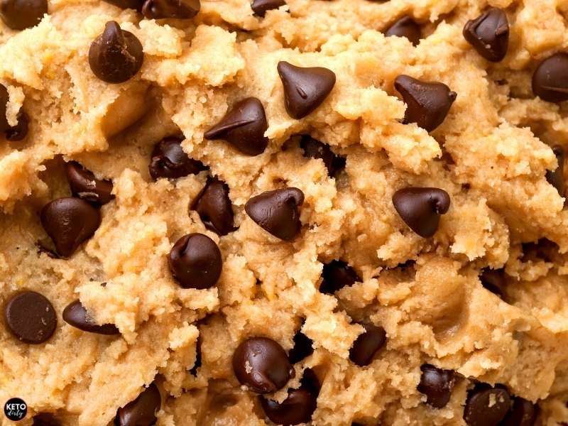 low carb chocolate chip cookies dough keto